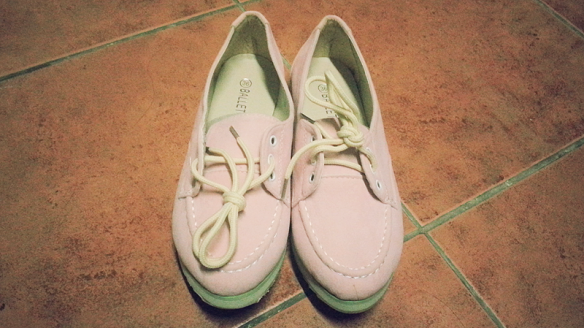 A-pink shoes